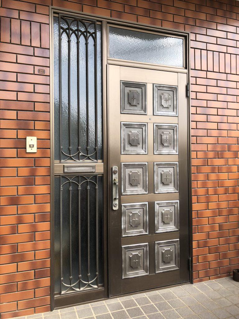 玄関ドアリフォーム【102434】