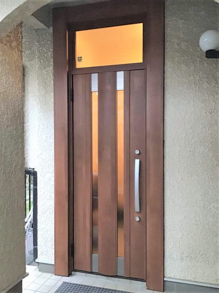 玄関ドアリフォーム【104111】