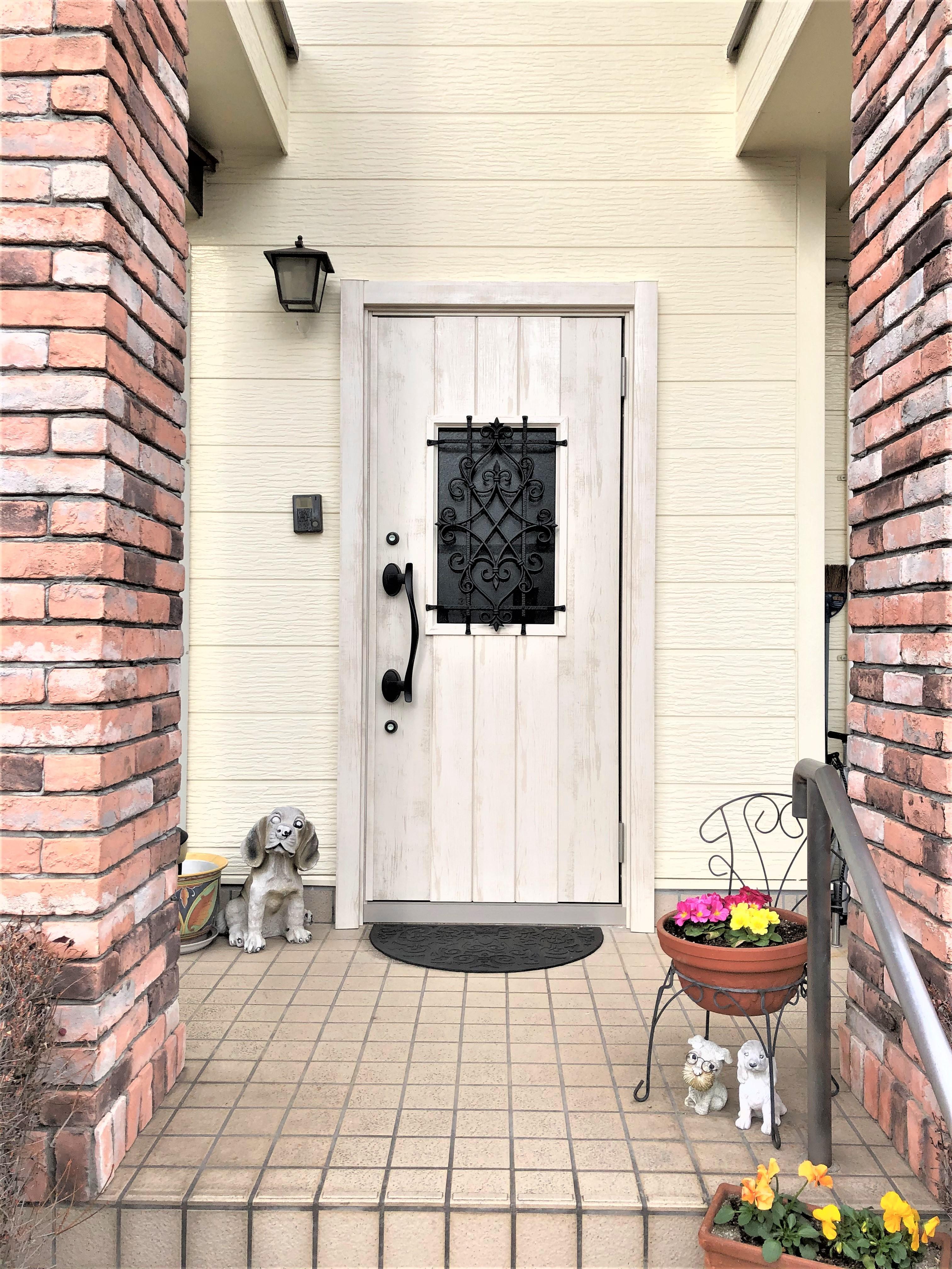 輸入住宅の玄関ドアリフォーム